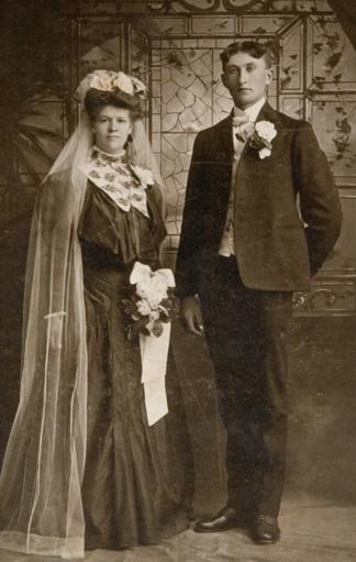 Foto: Brautpaar in den 1890er Jahren