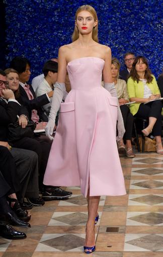 Pinkes Kleid aus der Dior Fall 2012 Couture Kollektion
