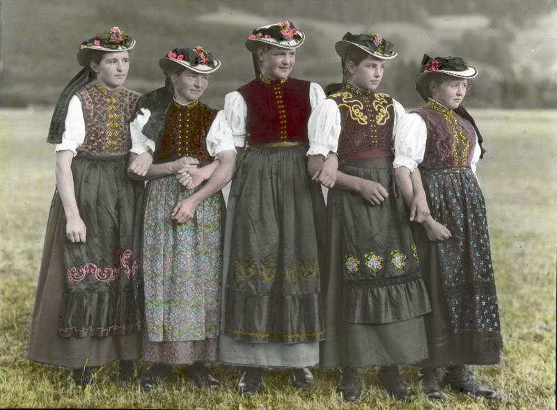 new styles 76f70 c29cb Modegeschichte: Die Tracht in Deutschland