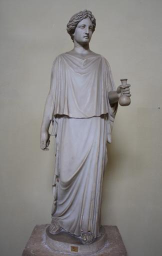 Römische Statue mit Tunika