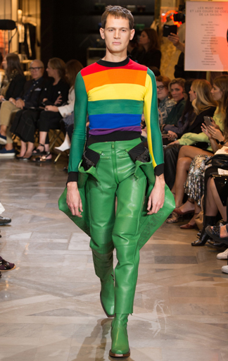 Rainbowshirt aus der Vetements SS 2017 Kollektion